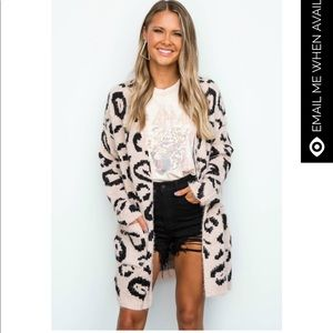 😍Blush Pink Fuzzy Leopard Cardigan
